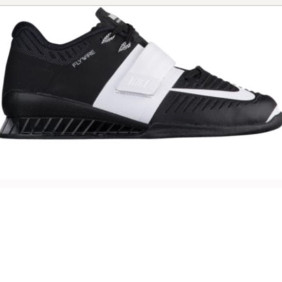 save off b60e9 12be2 Women s Nike Romaleos 3 Black with white strap